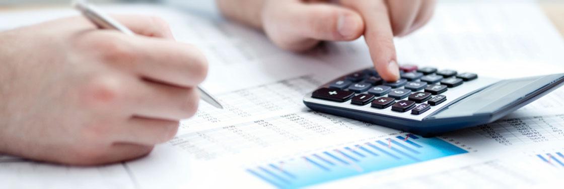 LABORAL: Liquidacion de haberes, cargas sociales e impuesto a las ganancias.